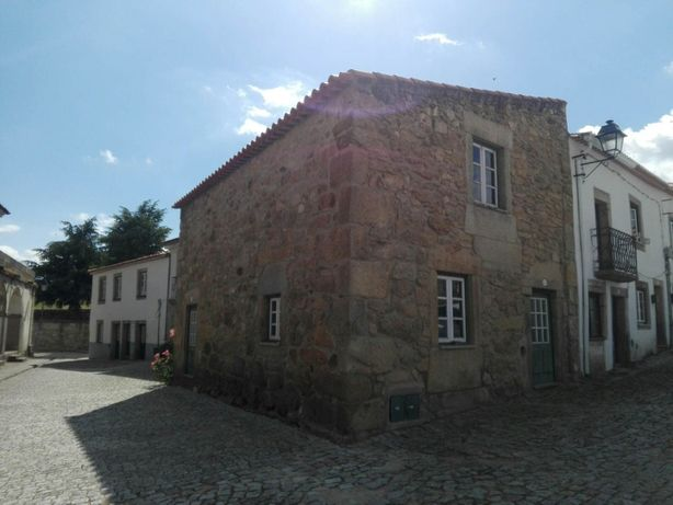 Casa no centro histórico da vila de Almeida