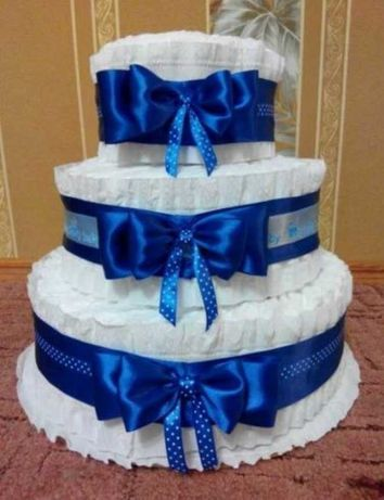 Торт из памперсов подгузников подарок для малыша