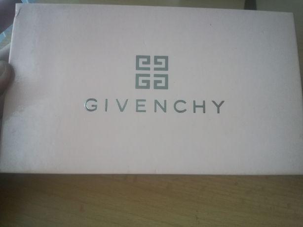 Givenchy-pomadki w eleganckim pudełku
