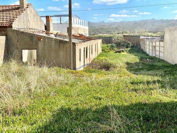 Terreno e Casa em ruína - praia do Pedrogão