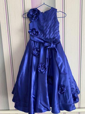 Продам платье на девочку 7-8 лет