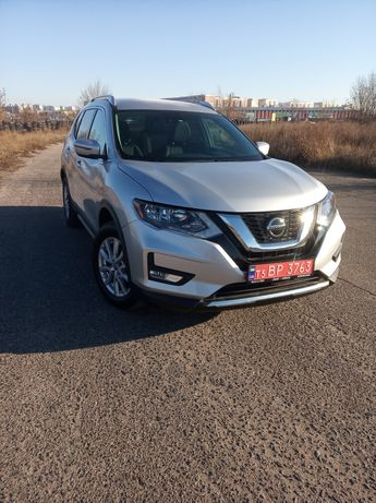 Nissan rogue SV AWD 19год
