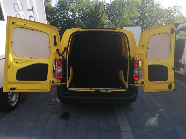 Peugeot Partner L2H1 zabudowa auta samochodu dostawczego busa
