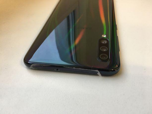 Samsung a50 6/128gb sm-a505 как новый!