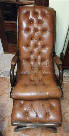 Poltrona/Cadeira de Sala