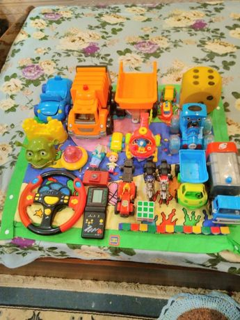 Продам большой пакет игрушек для мальчика