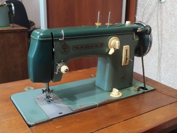 Швейная машинка Чайка 2 в тумбе