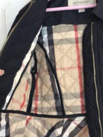 Курточка Burberry для девочки.