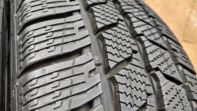 Шини 235/65R16C Continental VanContact Winter. 10мм! 17-19р! с