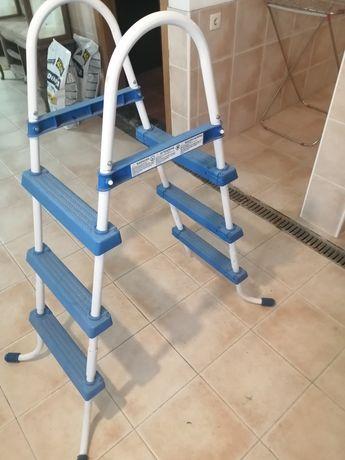 Escada para piscina Intex
