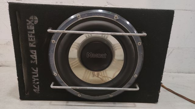Skrzynia basowa Magnat Acrylic  300 Reflex