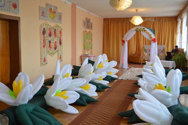 Пневматические надувные гирлянды/цветы (пневмоцветы) на свадьбу
