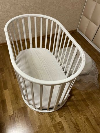 Круглая, овальная кроватка-люлька 8 в 1 плюс два матраса (круг, овал)