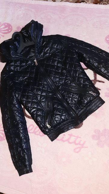Продам демесезонные двухсторонние курточки