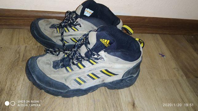 Ботинки термо зима  Adidas р.35-36, оригинал отличное состояние