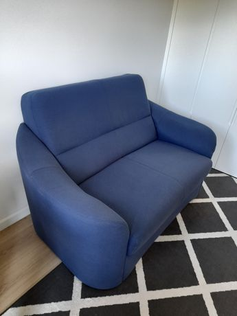 Sofa do salonu firmy Vero Apartamenti. 2 osb