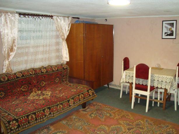 Сдам небольшой дом район ул.Кибальчича,цена 4500 все включено.