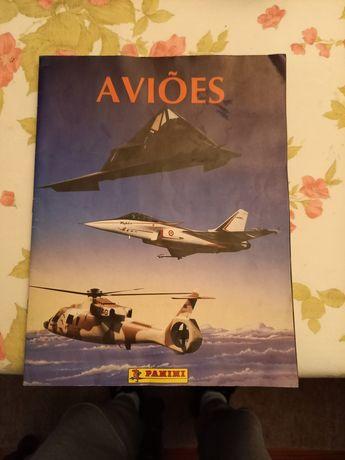 Caderneta cromos aviões