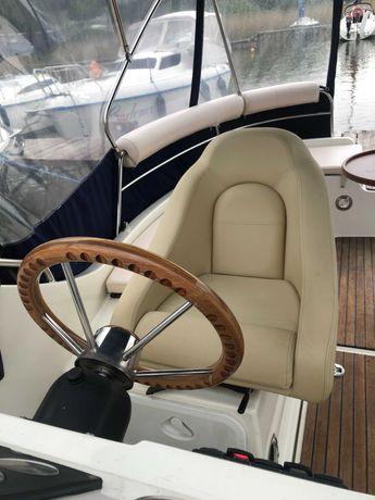 Jacht motorowy NAVIGATOR