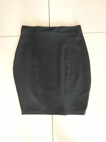 Czarna elastyczna spódnica, r. XS/S