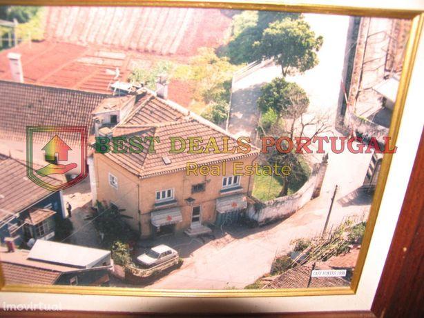 Moradia T6; 3 Pisos; Loja Comércio/Serviços RC; Ceira-Coimbra