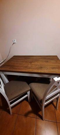 Sprzedam stół z krzesłami ( solidny i praktycznie nowy ).