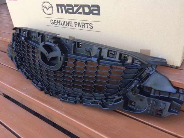 решетка радиатора Mazda CX5 оригинал