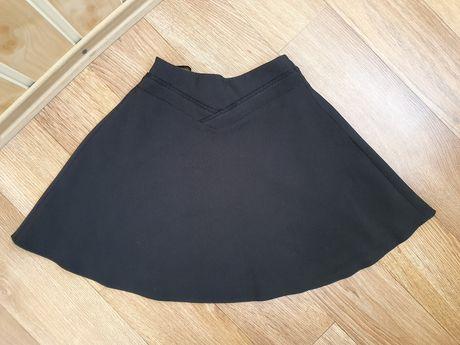 Школьная юбка на резинке чёрная 128 размер