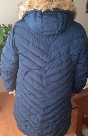 Kurtka zimowa (plaszczyk) z kaputerem