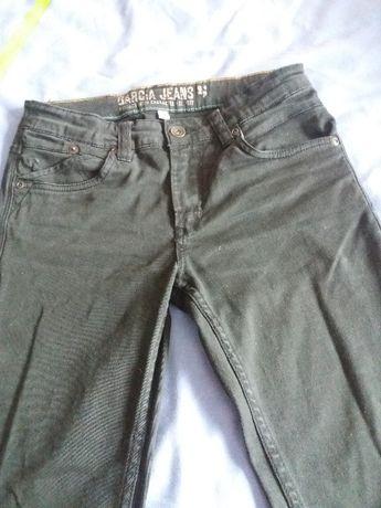 Calça preta rapaz Garcia Jeans 14 anos
