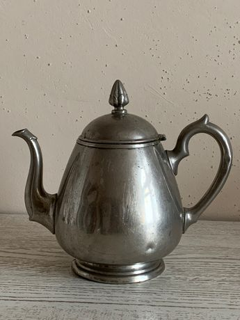 Sprzedam srebrny czajnik - stan dobry