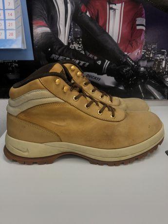 Buty Nike MANDARA 44 28 cm beżowe trekkingowe górskie zimowe męskie  b