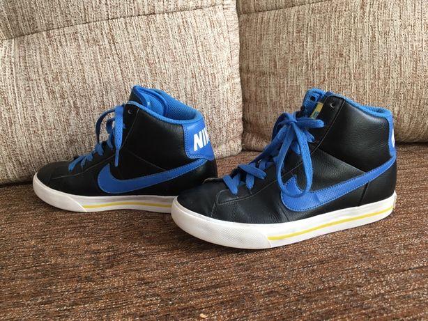 Кроссовки Nike 23,5 см