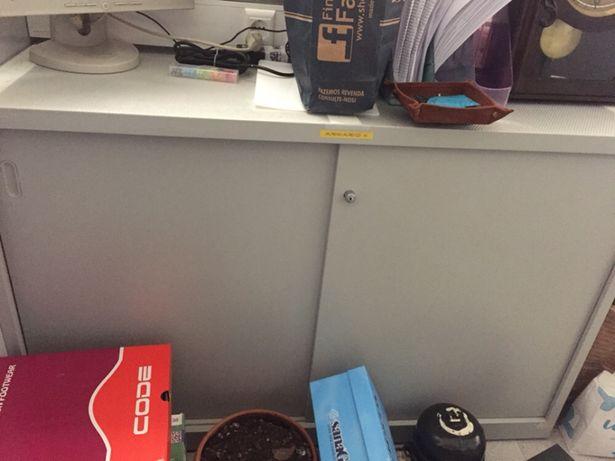 Móvel de apoio de escritório