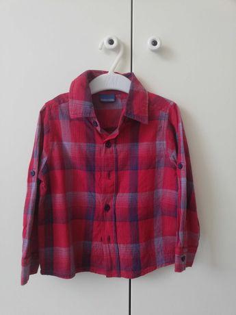 Czerwona koszula z długim rękawem w kratkę święta