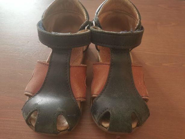 Sandałki marki Mrugała