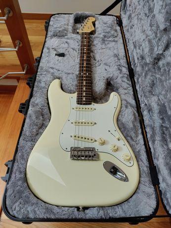 Guitarras Fender, Ibanez e ESP