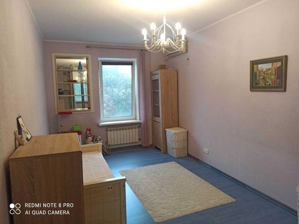 Продам 2-х комн с ремонтом Подол м Контрактова пл. ул Волошская 36