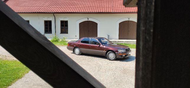 Auto na wynajem Lexus LS 400 Rok 1990