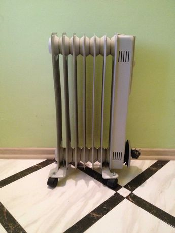 Как новый! Масляный обогреватель/радиатор/калорифер электрический