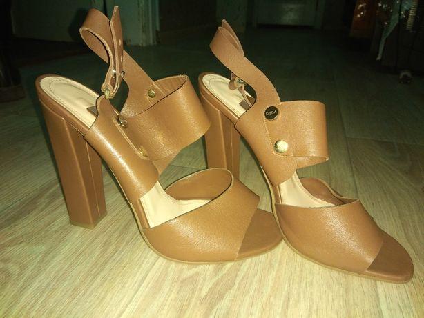 Новая обувь.в идеале.