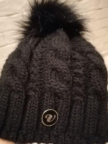 Czapka czarna piękna