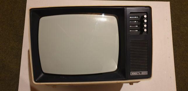 Telewizor radziecki z czasów PRL