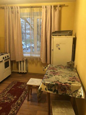 Сдаётся хорошая 1комнатная квартира на Площади Победы.