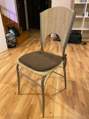 Krzesła 2 szt. z poduszeczkami GRATIS - stan idealny!