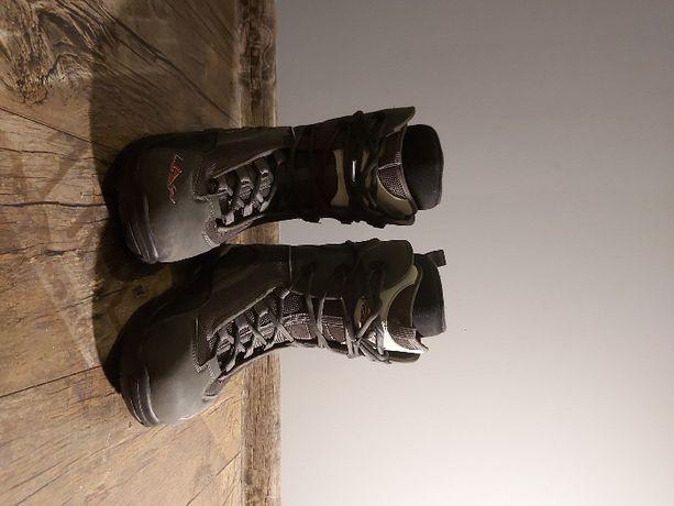 Buty snowboardowe roz.42 EU
