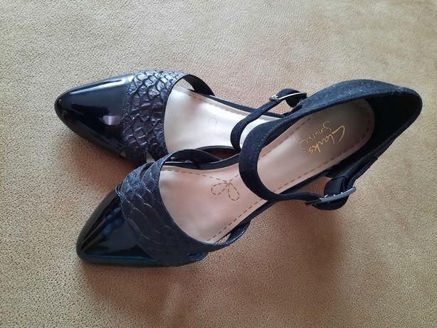 Czarne buty clarks r.41