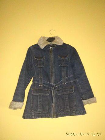Dżinsowa kurtka z futerkiem rozmiar 134