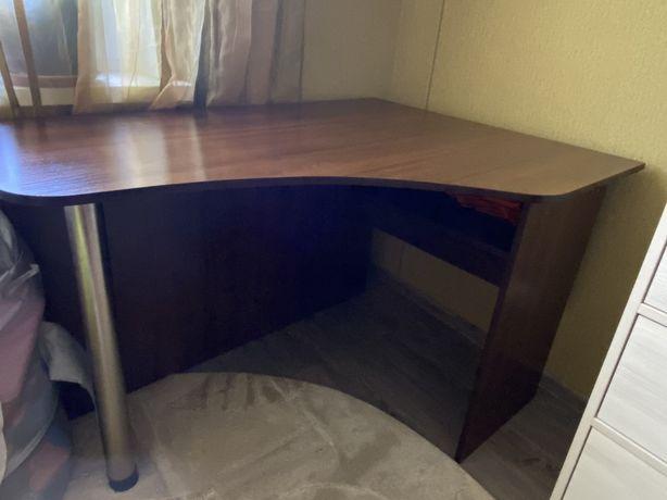 Стол письменний компьютерный с тумбочкой