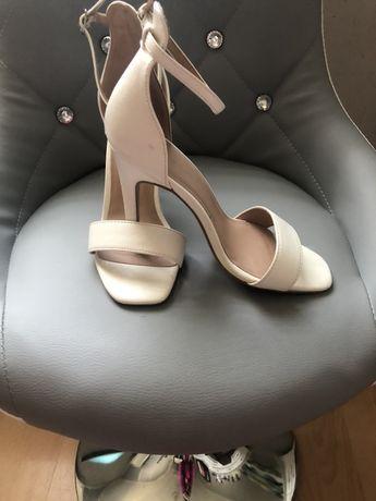 Sandały szpilka
